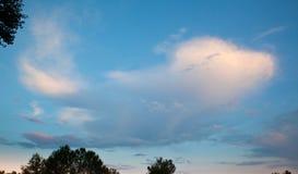 云彩平面象波音 图库摄影