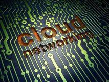 云彩技术概念:在电路板背景的云彩网络 库存图片