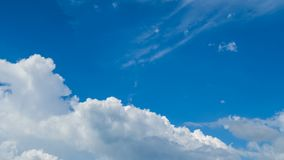 云彩时间间隔与天空的 股票录像