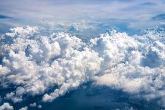 云彩是大,但是潜在的在秀丽 库存照片