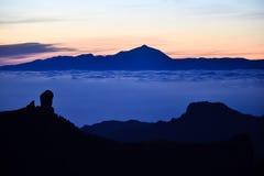 云彩海在Roque Nublo &泰德峰之间的 免版税库存照片