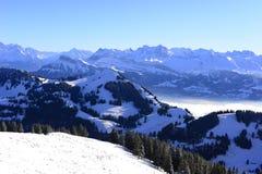 云彩海的看法从瑞吉峰Kulm的在冬天,卢赛恩, 库存图片