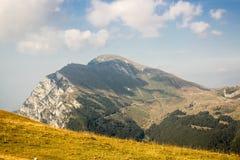 云彩的意大利阿尔卑斯 图库摄影
