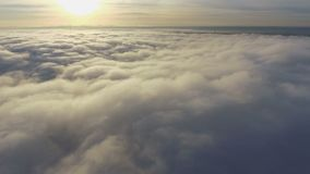 云彩的看法从飞机的 飞行在地球 股票视频