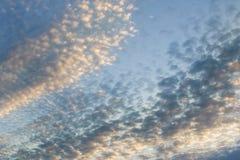 云彩的纹理在夏天 免版税库存照片