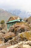 云彩的运动在山,喜马拉雅山,尼泊尔的 免版税库存图片