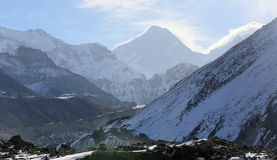 云彩的运动在山Gyazumba冰川的, Himala 库存照片