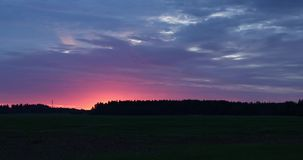 云彩的运动在日落时间间隔录影4k的 股票视频