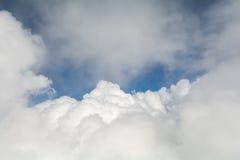 云彩纹理与空间的文本的 库存照片