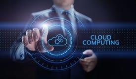 云彩计算的网络和互联网概念在屏幕上 免版税库存图片