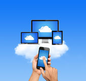 云彩计算网络连接了所有设备 库存图片