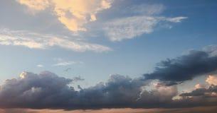 云彩,天蓝色背景 蓝色云彩天空 免版税库存图片