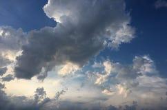 云彩,天蓝色背景 蓝色云彩天空 库存图片
