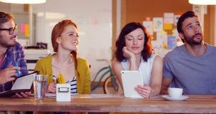 互动互相的企业同事在会议