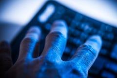 互联网罪行和偷窃 免版税库存图片