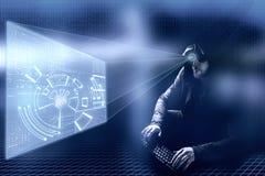 互联网罪行概念 蓝色数字式背景的黑客 库存图片