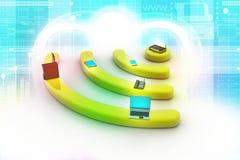 互联网通过在个人计算机、电话、膝上型计算机和片剂个人计算机的路由器。 免版税图库摄影