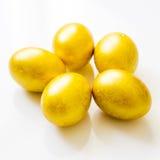 五个金子复活节彩蛋 免版税库存照片