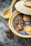 五个香料炖煮的食物用水煮蛋和猪肉(Kai PaLo) 免版税图库摄影