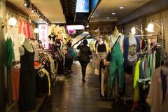 五分埔,台湾,是服装市场,主要库存妇女的服装和辅助部件 免版税图库摄影