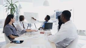 五医生队开会议在会议室 影视素材