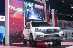 从五十铃在第35个曼谷国际汽车展示会,在驱动的概念秀丽的所有新的白色muX 2014年3月27日在轰隆 免版税库存图片