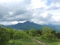 五在五山城朝向山Beshtau,高加索,俄罗斯  库存照片
