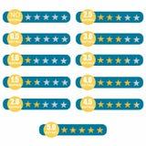 五对估计的星 顾客回顾、规定值、质量和平实概念 一套与金黄星的小条 免版税库存图片