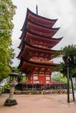 五层塔(Gojunoto)在宫岛海岛上 库存图片