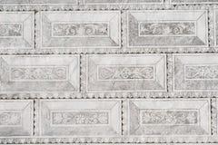 五彩拉毛陶五彩拉毛陶染黑白色大别墅城堡墙壁装饰装饰绘画 免版税库存照片