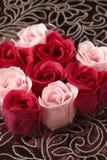 五彩纸屑玫瑰色肥皂 库存图片