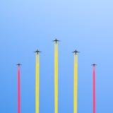 五架飞机的飞行。 免版税库存图片