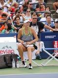 五次全垒打冠军玛丽亚・莎拉波娃为美国公开赛实践2015年在国家网球中心 免版税库存图片