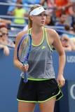 五次全垒打冠军玛丽亚・莎拉波娃为美国公开赛实践2015年在国家网球中心 免版税库存照片