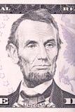 从五美元票据的亚伯拉罕・林肯画象 库存图片