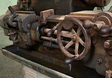 五谷图象:关闭老机器工厂制造钢和u 免版税库存照片