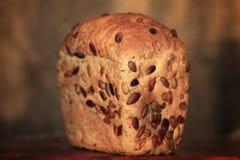五谷面包粗麻布农业面包店褐色 库存图片