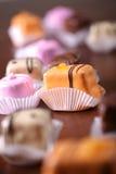 五颜六色可爱的孩子蛋糕 免版税库存图片