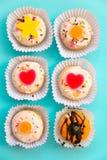五颜六色微型多福饼蛋糕点心 图库摄影