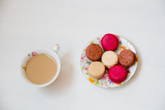 五颜六色甜点法国点心的蛋白杏仁饼干 库存图片