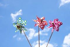 五颜六色的三个玩具风车 库存照片