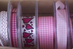 五颜六色的丝带和磁带 免版税库存图片