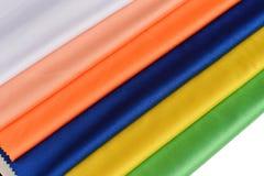 五颜六色的丝绸布料 免版税库存图片