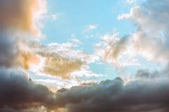 五颜六色的严重的天空 库存照片