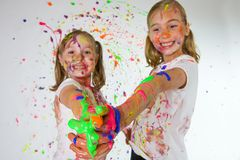 五颜六色的乐趣孩子 免版税库存图片