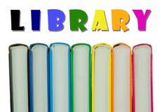 五颜六色的书的脊椎行-图书馆概念 图库摄影