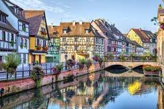 五颜六色的传统法国房子在科尔马 免版税库存照片