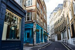 五颜六色的伦敦街 免版税库存图片