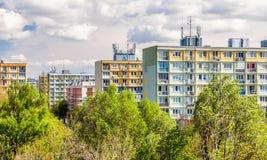 五颜六色的公寓在布拉索夫,斯洛伐克 免版税库存照片
