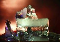 五颜六色的冰块由光绘了 免版税库存照片